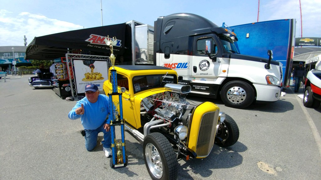 Car show AMSOIL corporate semi