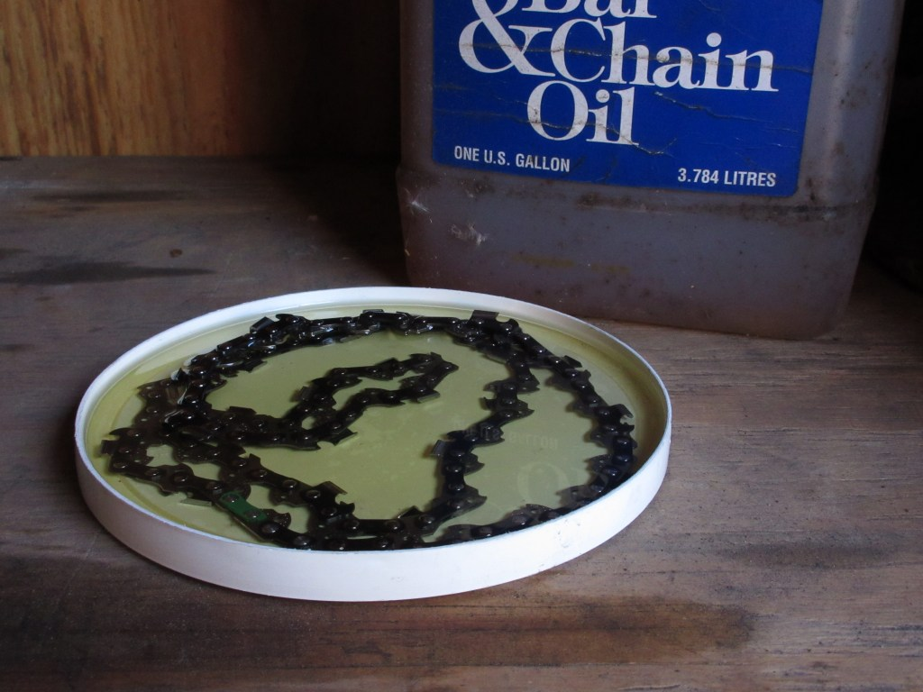 soaking chain in oil before use